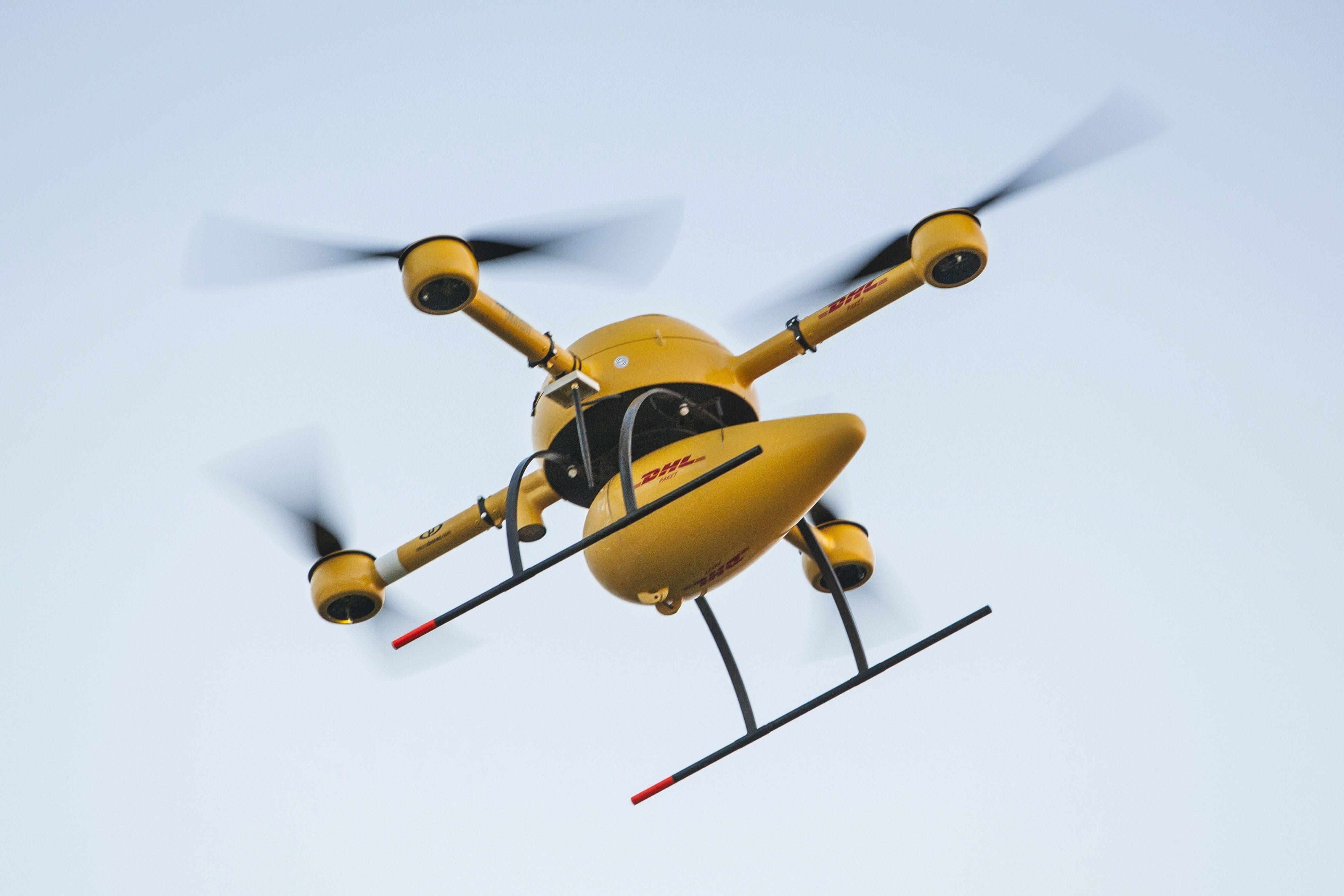 Co je to dron a k
