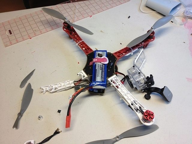 bezpečnost - dron, nehoda