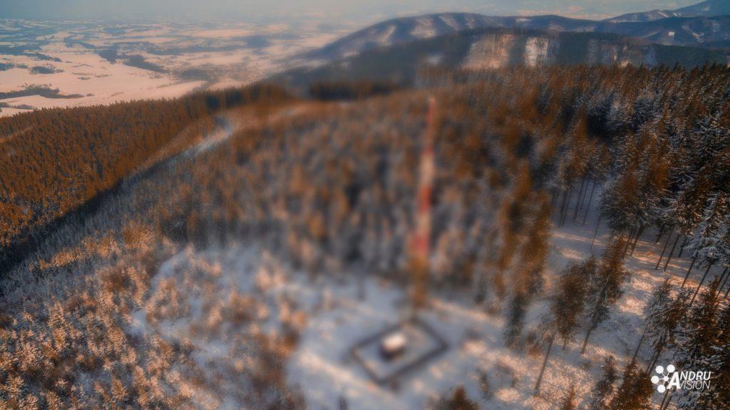 dronem v zimě