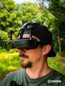Ehang Ghostdrone 2.0 recenze fpv brýle z boku